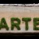 Schild auf dem Garten steht